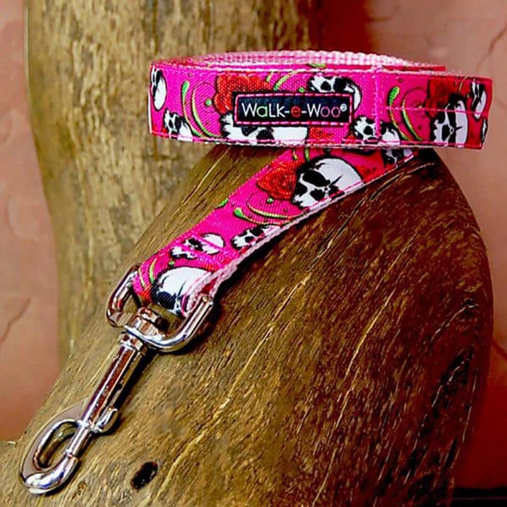Walk e Woo Correa Pink Tattoo Skull N´Roses